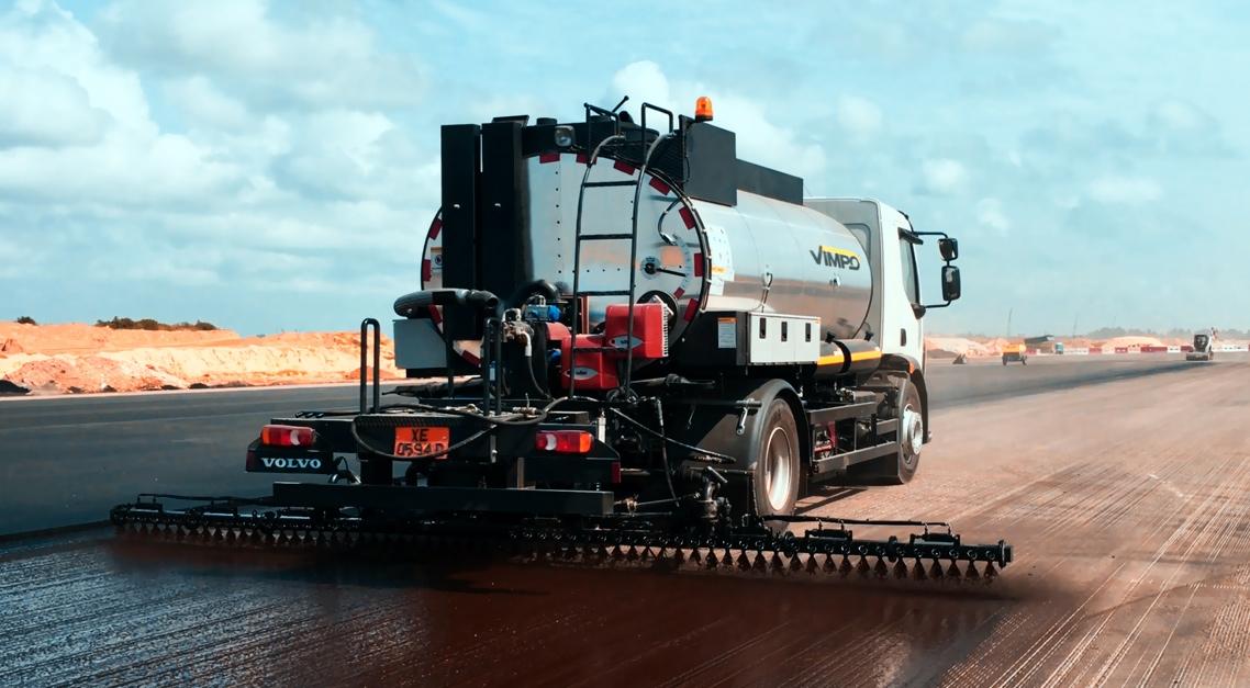 VAD 5400A Bitumen Spreader